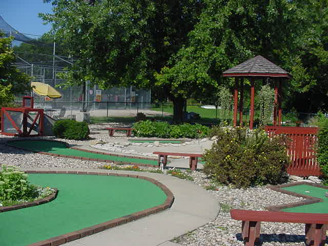 Bayou Bend Mini Golf, 1306 Gilbert Street, Charles City, IA