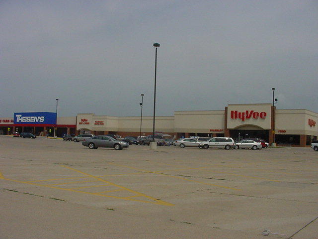 Theisens & HyVee, 803 & 901 Kelly Street, Charles City, IA