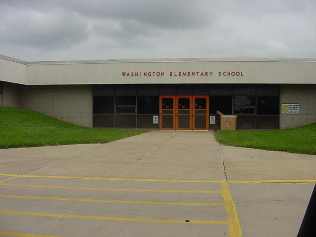 Washington Elementary, 1406 N. Grand Avenue, Charles City, IA