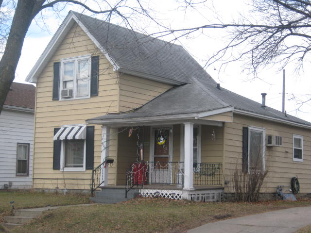 309 7th Avenue, Charles City, IA